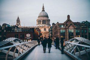 הקשר בין סיור אמנות בלונדון לשיווק ברשת